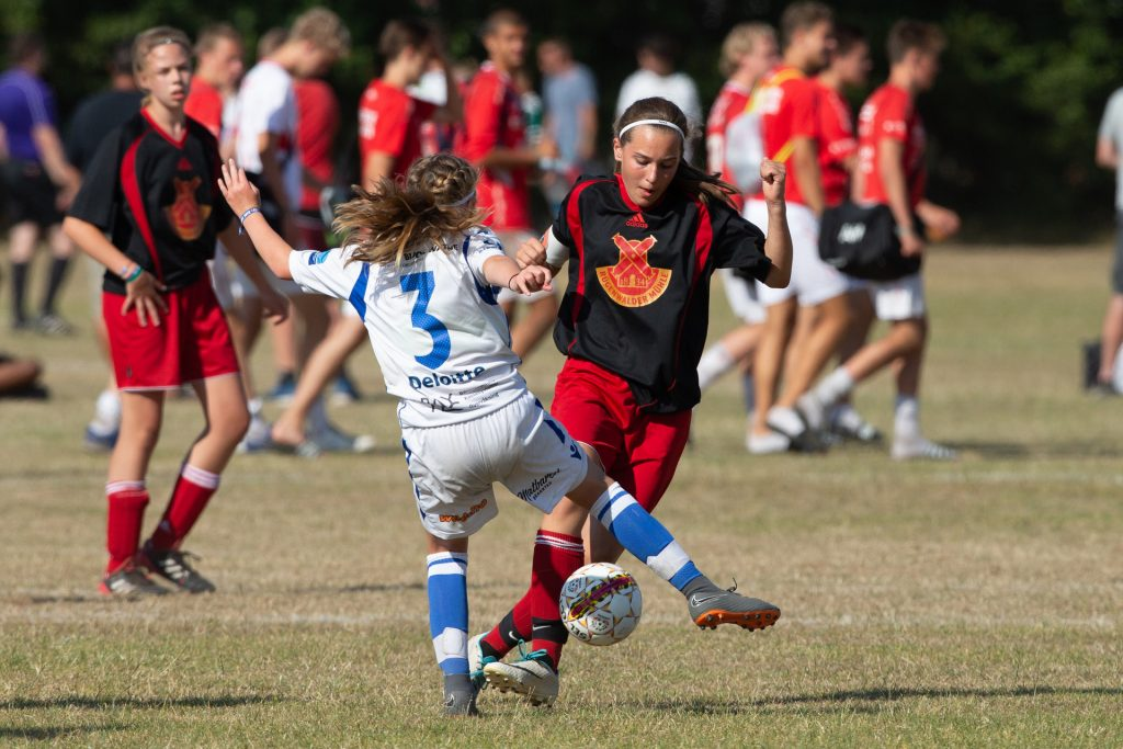 Dana Cup - girls on the ground - Road to Sport