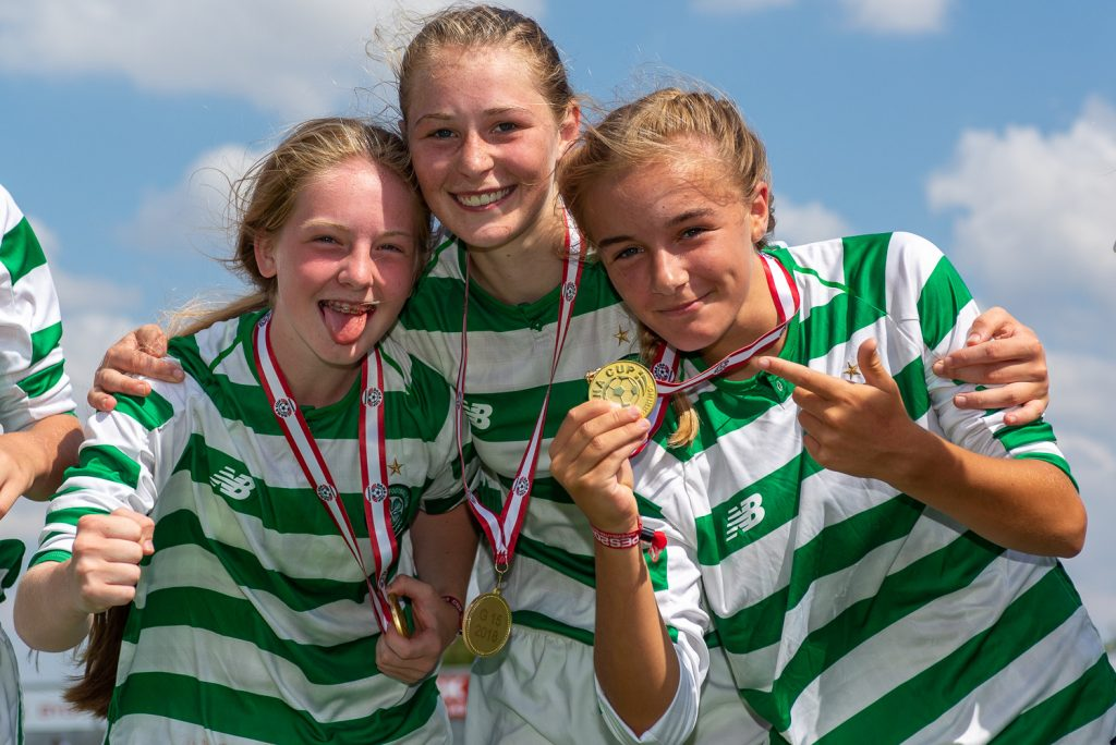Dana Cup - girls with medals - Road to Sport