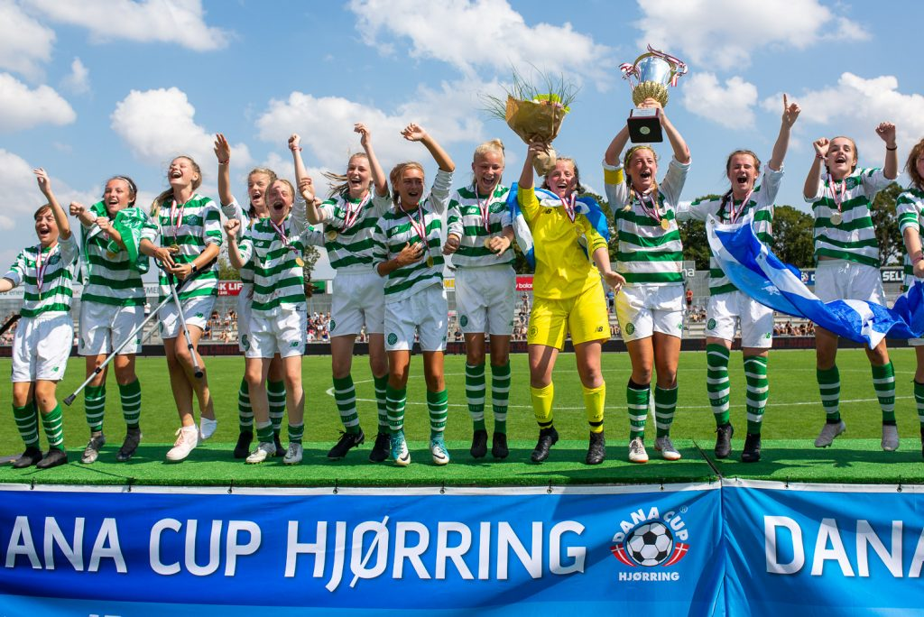 Dana Cup - drużyna dziewcząt na podium - Road to Sport