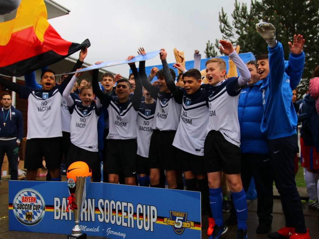 Bayern Soccer Cup - happy team with the cup - Road to Sport