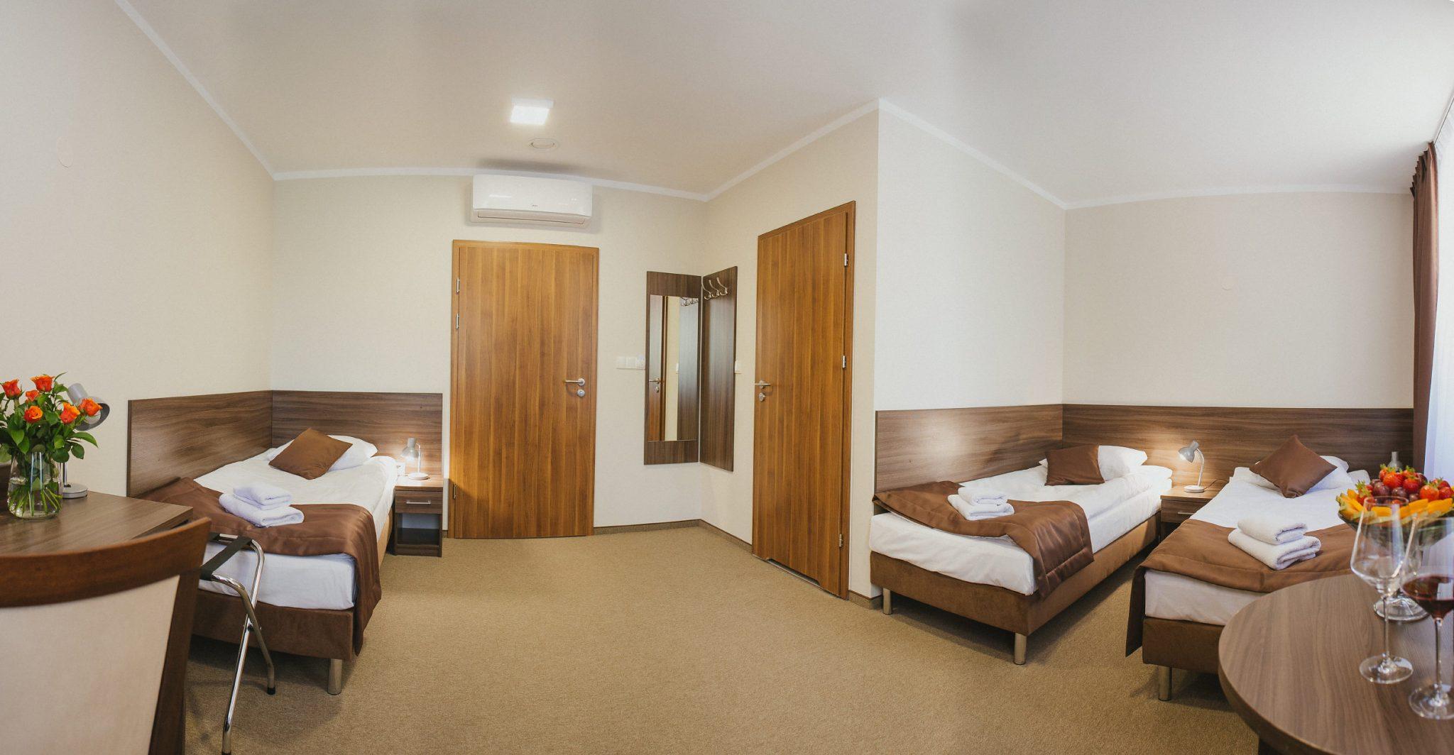 Swimming camps Oświęcim - hotel room - Road to Sport