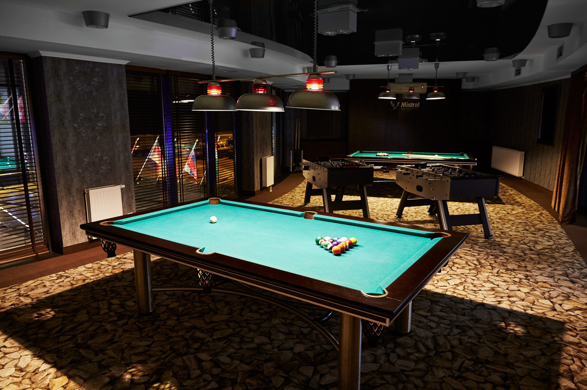 Pro football camps - Hotel Mistral billiard table - Road to Sport
