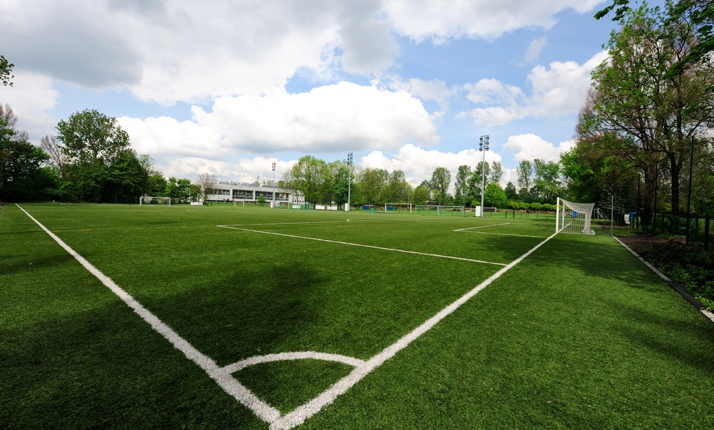 Sports camps in Cracow - artificial pitch - Road to Sport
