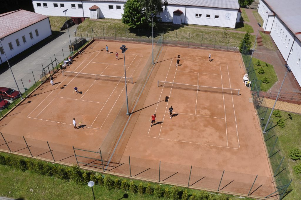 Sports camps Cetniewo - tennis court - Road to Sport