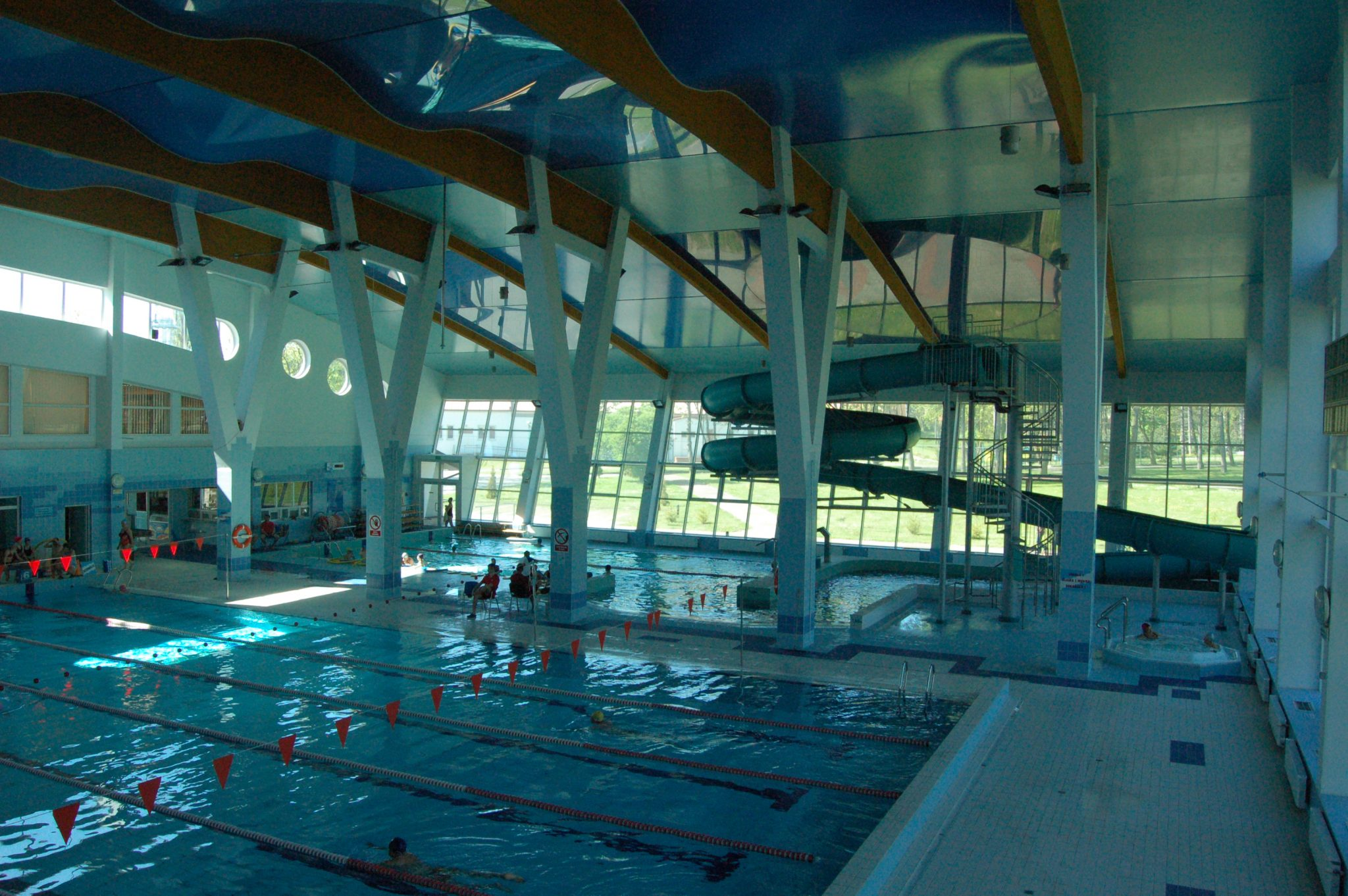 Sports camps in Wladyslawowo - swimming pool - Road to Sport