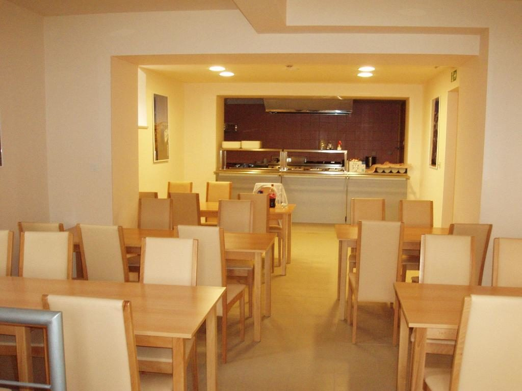 Football camps Croatia - kitchen